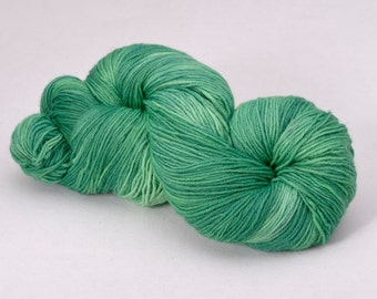 handdyed sockyarn superwash - wool/nylon mixture - fingering weight - colour s 096