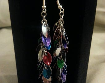 Festive mini scale shaggy loops chainmaille earrings