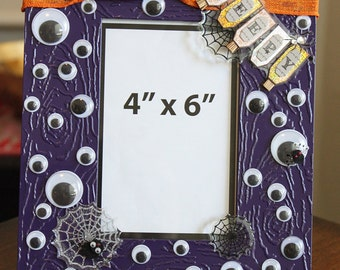 "4""x6"" Wiggly Eyes and Spiders Halloween Decorative Photo Frame"