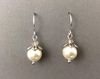 Ivory pearl earrings, cream pearls wedding, flower girl earrings, vintage pearl earrings, flower earrings, pearl drop earrings
