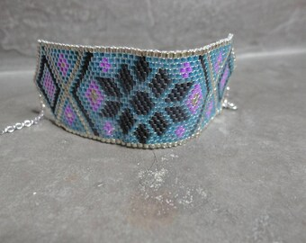 Cuff Bracelet with Pearl miyuki Argyle: blue, pink and black