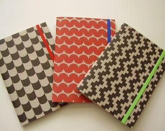Set aus 3 bunten geometrischen Zeitschriften Notebooks mit gefüttert, Papier / Recycling / Gästebuch