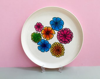 Retro plastic serving platter, made by Deka Plastics in the US (c. 1969)