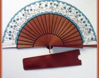 Statement white hand fan, hand painted fan with leather case, wood folding fan, wedding fan, flowers hand fan, spain hand fan, gift for her.