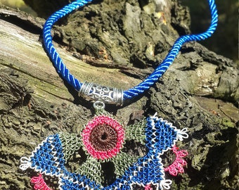 Point Lace Necklace