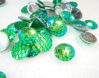 10 cabochons 12 mm fish scales