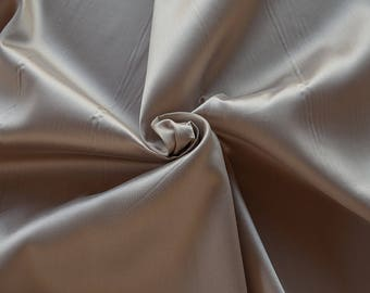 273022-Mikado-85% Polyester, 15 silk, 160 cm wide, made in Italy, dry cleaning, weight 160 gr, price 1 meter: 51.79 Euros