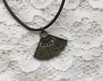 Steampunk vintage style fan necklace.