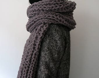 Chunky knit scarf, cosy infinity scarf, long winter scarf, unisex winter scarf, cosy blanket scarf