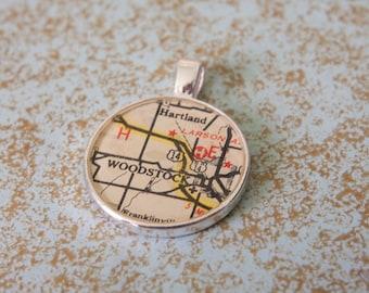 Vintage Illinois Map Necklace - Woodstock