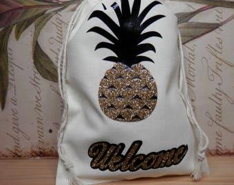 PINEAPPLE WEDDING FAVORS,Welcome Gift Bags, Thank You Bags, Pineapple Gift Bags, Beach Wedding Favors, Destination Wedding, Island Weddings