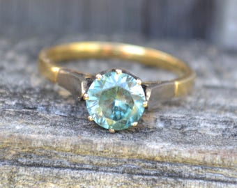 Vintage Blue Zircon Solitaire Ring 18 CT Gold