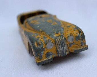Vintage Yellow Metal Chippy Hubley Toy Car Lancaster PA Die Cast 455 Antique