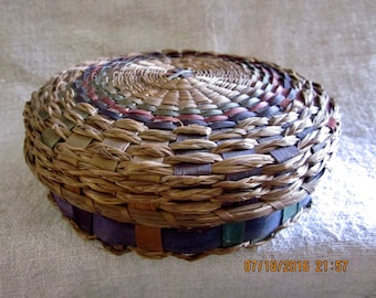Antique Native American Early 20th Century Handwoven Splint and Sweetgrass Covered Sewing Basket Antique Sewing,Folk Art