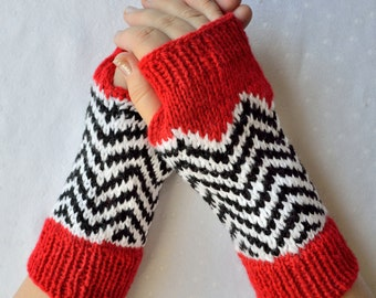 Hand knitted ''Twin peaks'' arm warmers