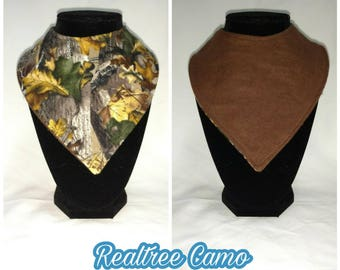 FREE SHIPPING - Reversible bandana bib - realtree camo