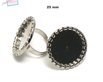 """4 cabochons 25 mm round """"folded lace"""", silver ring holders"""