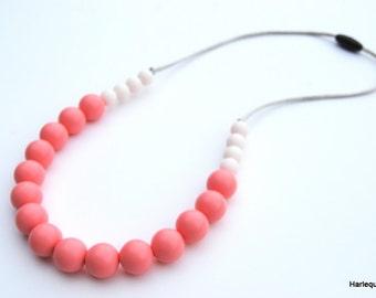 Silicone Teething Necklace / Silicone Nursing Necklace - Blush & White