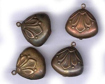 Vintage gonflés en laiton, breloques fantaisie antique charmes trapu de forme charmes en laiton antique léger quatre dans toutes les