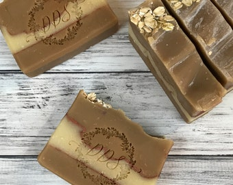 Oatmeal Milk and Honey Soap - Goat Milk Soap - Honey - Oatmeal - Cocoa Butter - Coldprocess Soap - Handcrafted - Natural Soap