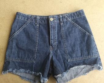 Tommy Hilfiger Vintage 90s era High Waist denim cut off Shorts size 5/6