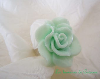 Ring flower shaped pink cabochon resin 3 available colours