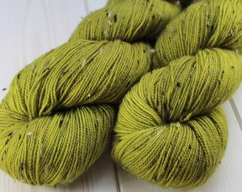 Hand - dyed skeins Fingering - superwash Merino Wool and Nylon NEP. - 100 g / 400 m - pistachio