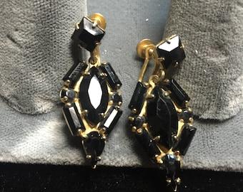 Beautiful Art Deco black earrings screw closure