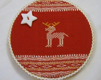 Hoop art, Christmas Hoop Art, Reindeer Wall Hanging, Christmas Star, Red and White, Upcycle, reuse