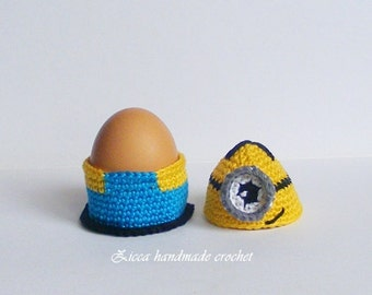 Crochet minion egg cozy, egg holder pattern