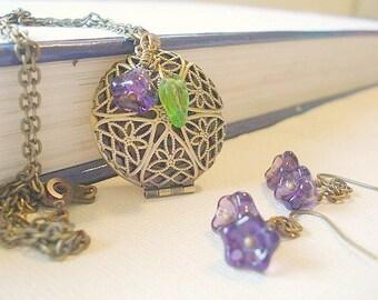 Brass Locket Necklace Bridesmaid Necklace Set Round Brass Filigree Locket Custom Locket Necklace Set Flower Earrings Jewelry Wedding Jewelry