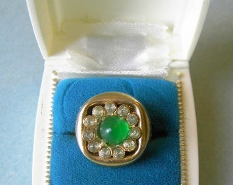 OOAK Emerald Green stone with rhinestone circle sewing button turned into a fashion ring