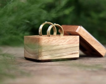 Double Wedding Ring Box - Stand