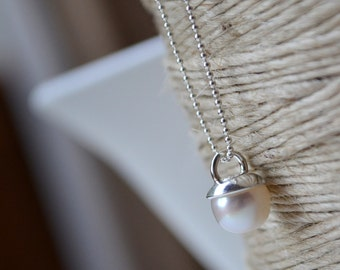 Pearl Necklace. Freshwater Pearl and Sterling Silver Necklace. Silver Pearl Pendant. Gift for Her.