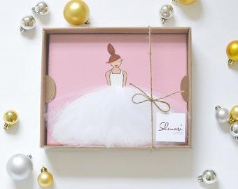 Gift Box for 8x10 Artwork - present for girls, personalized gift, personal gift, gift for baby girl, her gift, baby present