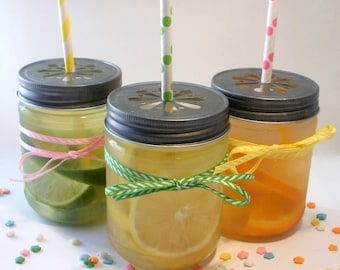 SALE 20% - 18 Large Plastic Mason 17 oz Jars with Daisy Cut Lid - Unbreakable Drinking Jar Parties