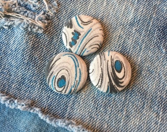 fabric pin back buttons, vintage fabric covered pin back, set of 3