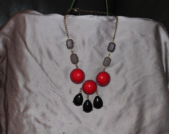 Vintage Beaded Drop Necklace Red Black Mauve