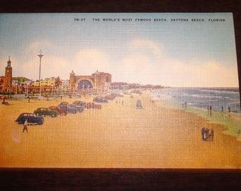 Vintage Daytona Beach,Florida Postcard/Classic Cars/Beachgoers