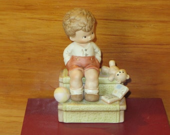 Waiting For Santa, A Memories of Yesterday Figurine (Retired)