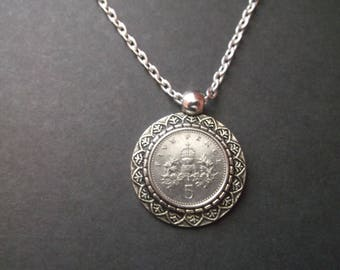 British Five Pence Coin Necklace - Five Pence United Kingdom Coin Pendant in Pendant Tray