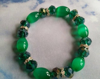 Emerald green catseye bracelet