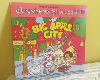 Strawberry Shortcake Big Apple City Vinyl Record album GREAT CONDITION