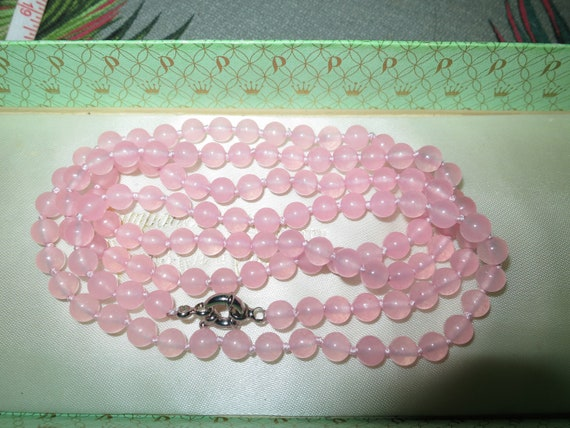 Lovely 6mm round knotted pink   jade beaded necklace 36""