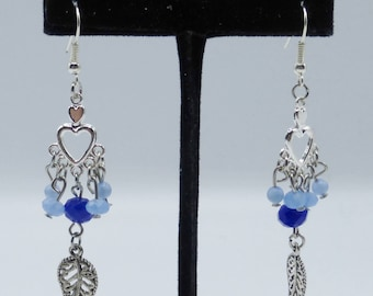 Blue chandelier earrings in glass and silvery metal
