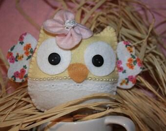 Kit to make a lovely OWL felt