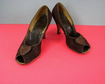 1940/50s Brown Suede Peep Toe Heels  by Perfect Poise  ........  size 8 1/2
