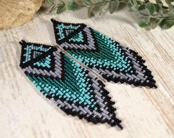 Beaded earrings, Long fringe earrings, Boho style, Native American style, beadwork, Emerald color