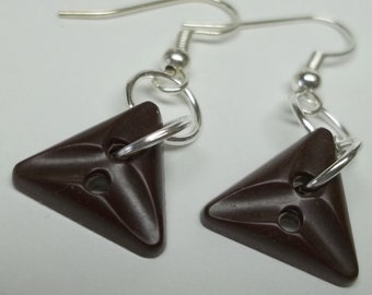 vintage brown triangle button earrings,triangle button earrings,brown button earrings,brown button earrings,triangle buttons
