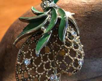 Vintage PINEAPPLE Costume Pin Broche' Gold tone Green Enamel Leaves Crystals
